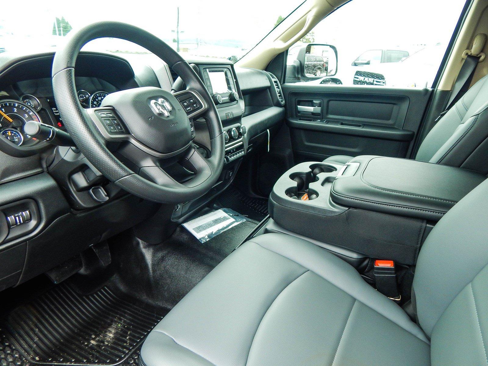 2019 Ram 3500 Crew Cab DRW 4x4, Cab Chassis #R1781 - photo 8