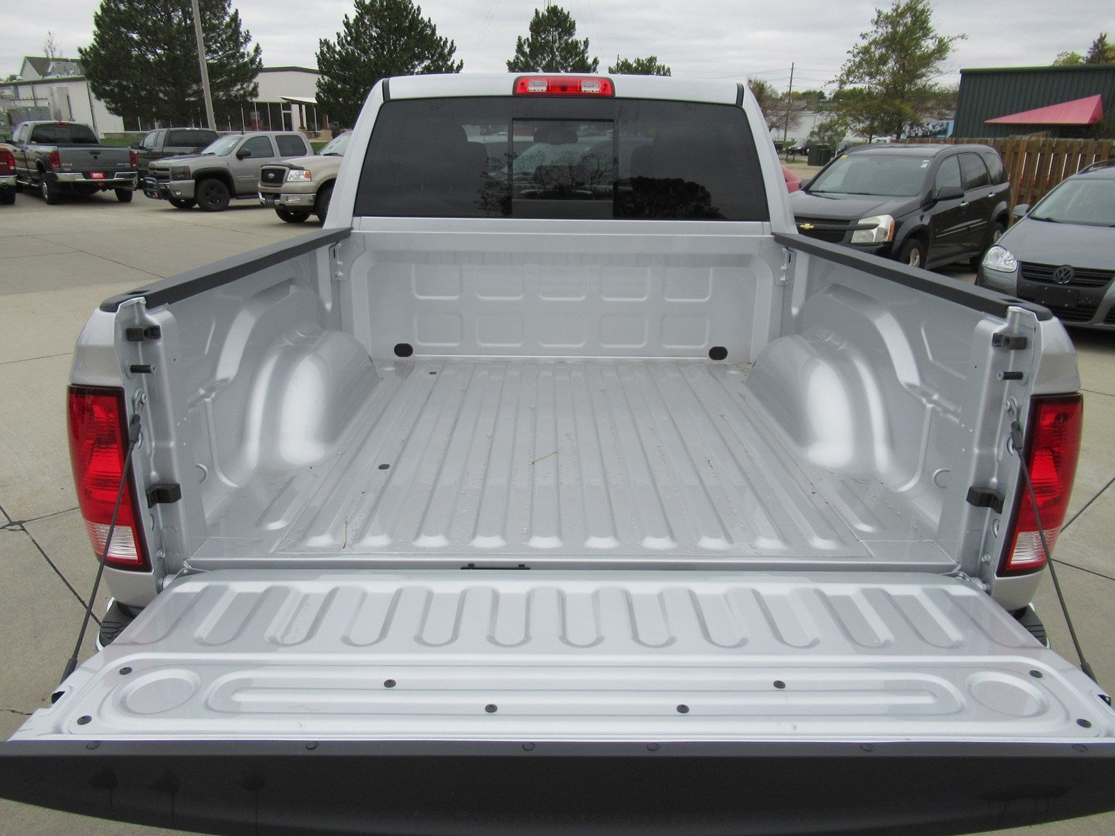 2018 Ram 1500 Crew Cab 4x4, Pickup #DT20973 - photo 6