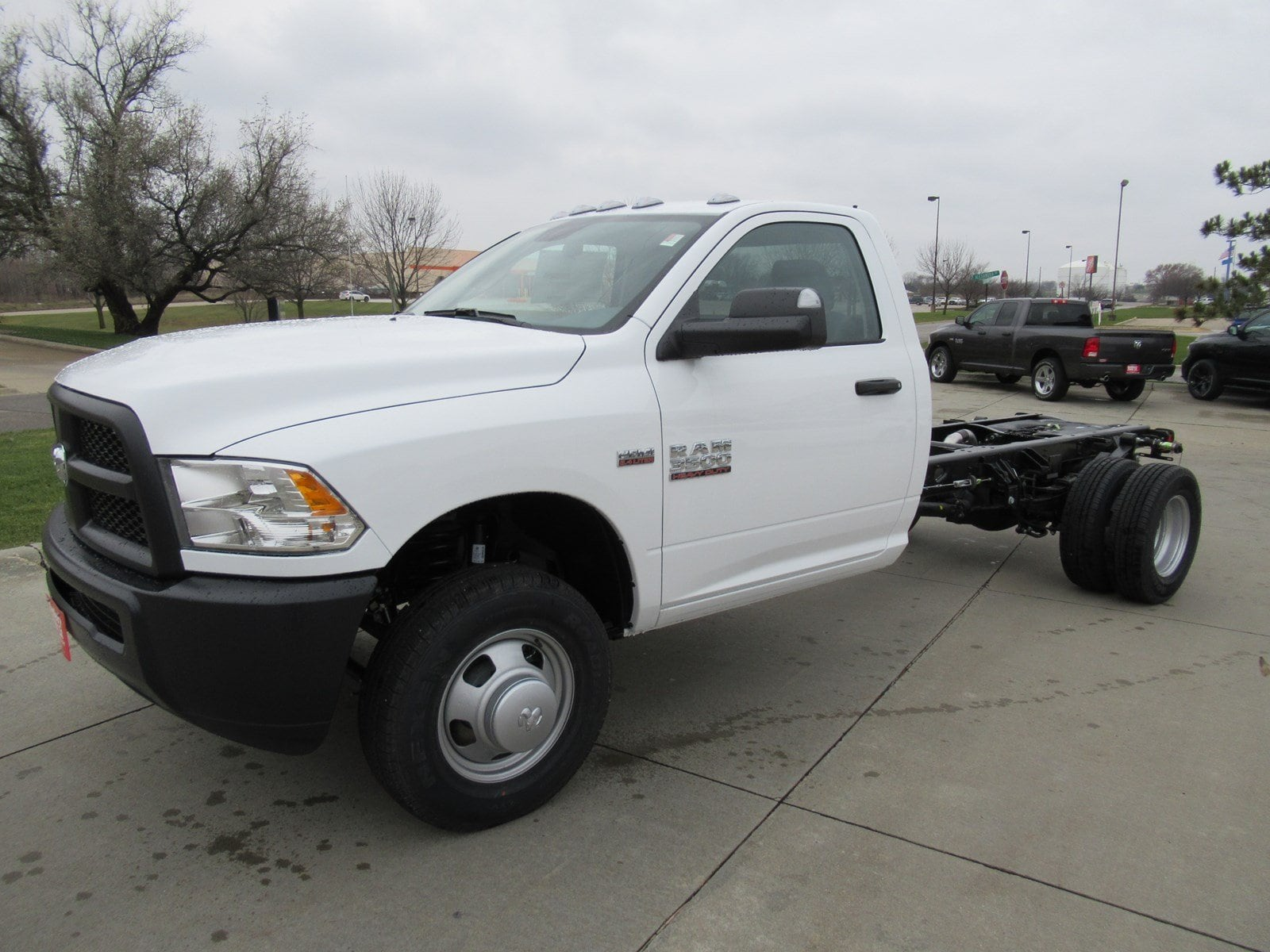 2018 Ram 3500 Regular Cab DRW Cab Chassis #DT21001 - photo 4