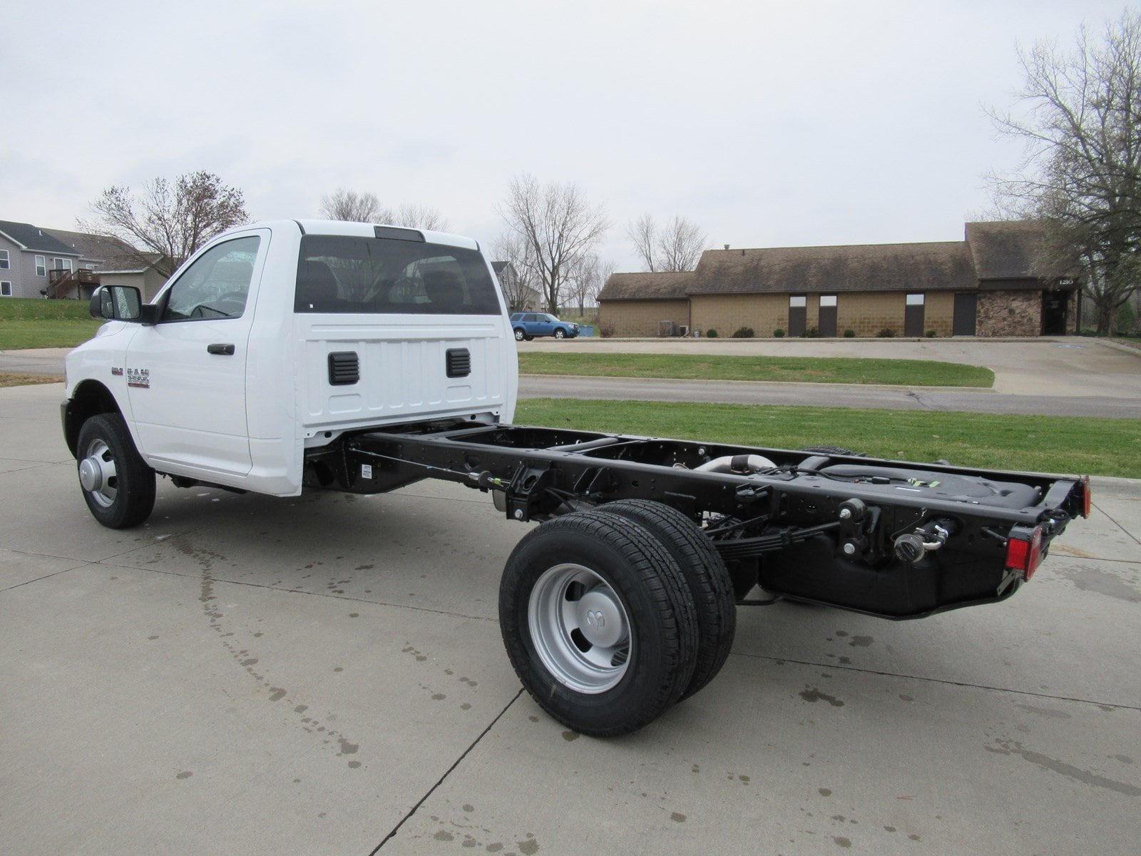 2018 Ram 3500 Regular Cab DRW Cab Chassis #DT21001 - photo 5