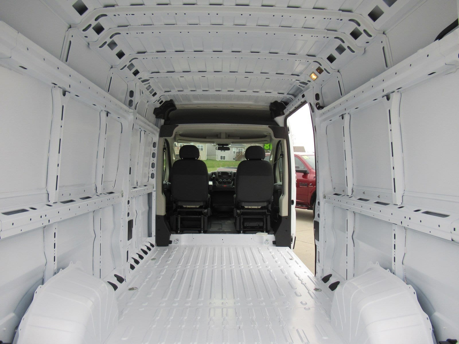 2018 ProMaster 2500 Cargo Van #DT21005 - photo 2