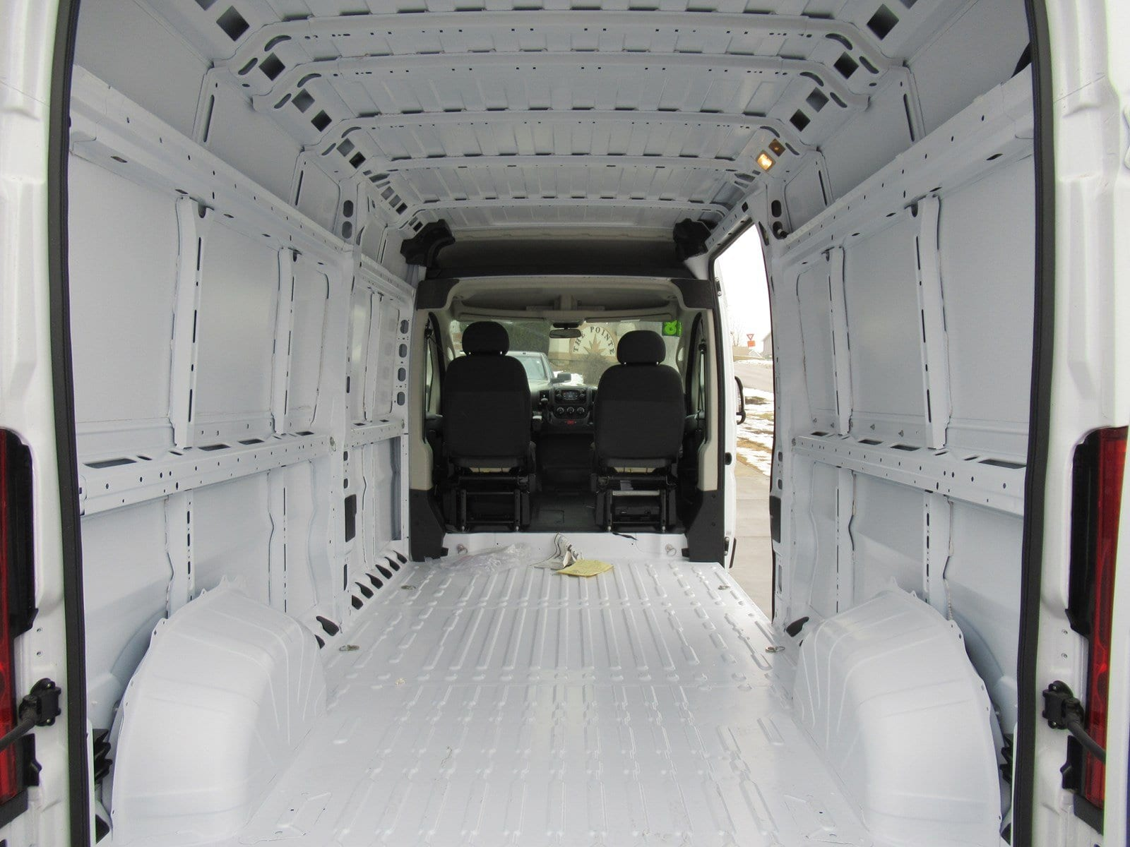 2018 ProMaster 2500 Cargo Van #DT21026 - photo 14