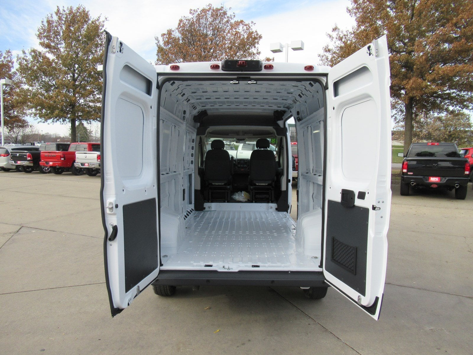 2018 ProMaster 2500 Cargo Van #DT21027 - photo 2