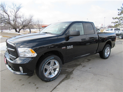 2018 Ram 1500 Quad Cab 4x4, Pickup #DT21105 - photo 4