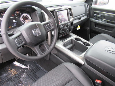2018 Ram 1500 Crew Cab 4x4, Pickup #DT21129 - photo 10