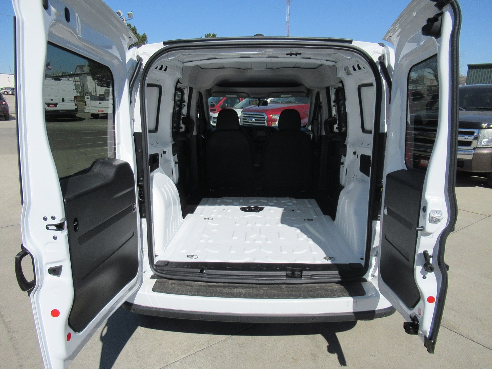 2018 ProMaster City,  Empty Cargo Van #DT21138 - photo 2