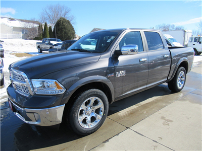 2018 Ram 1500 Crew Cab 4x4, Pickup #DT21205 - photo 4