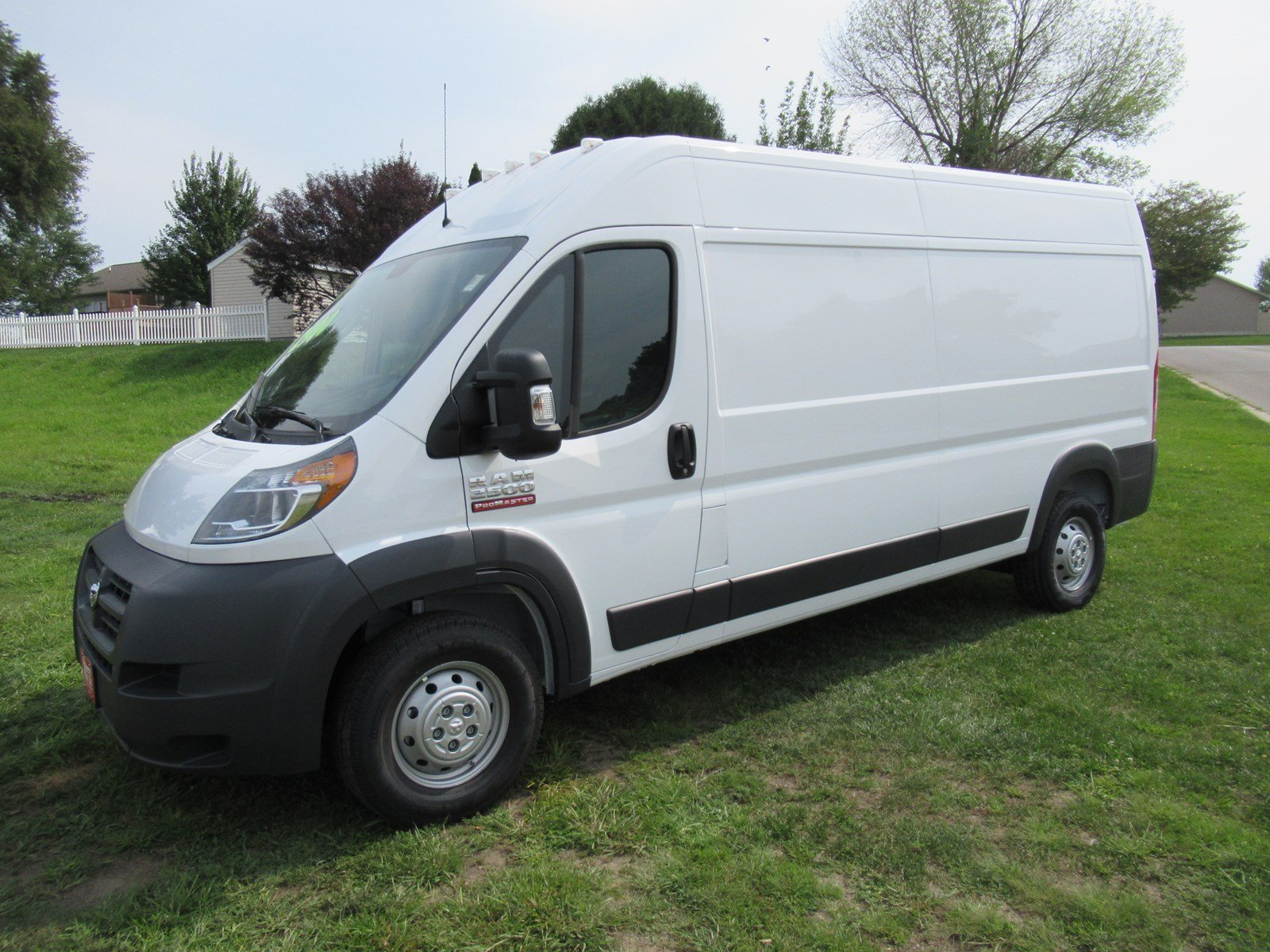 2018 ProMaster 2500 High Roof FWD,  Empty Cargo Van #DT21264 - photo 4