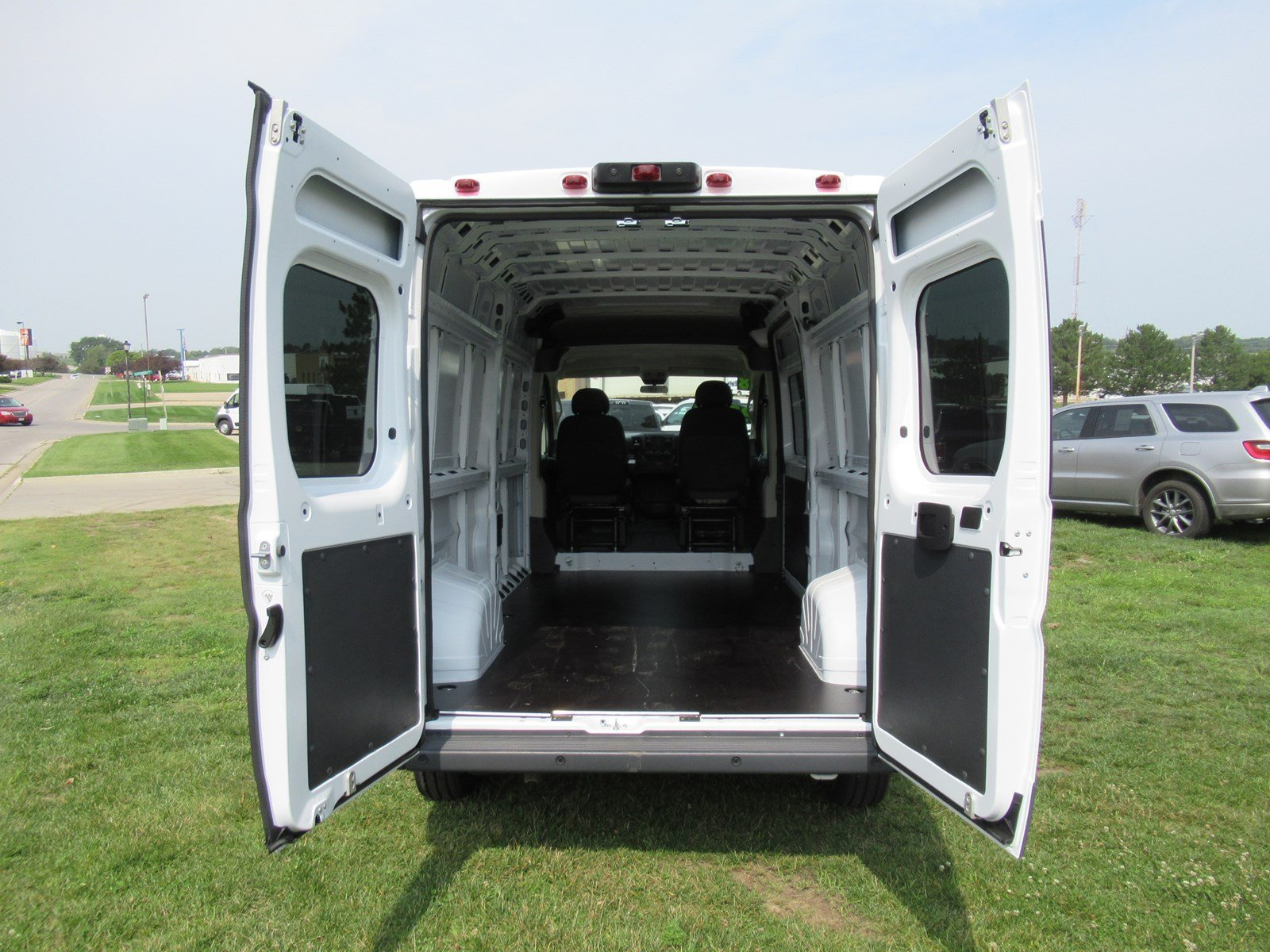 2018 ProMaster 2500 High Roof FWD,  Empty Cargo Van #DT21264 - photo 2