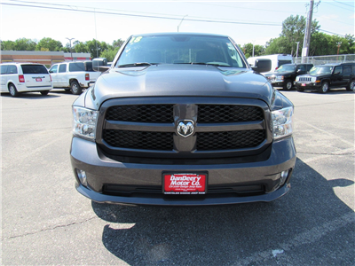2018 Ram 1500 Crew Cab 4x4,  Pickup #DT21381 - photo 3