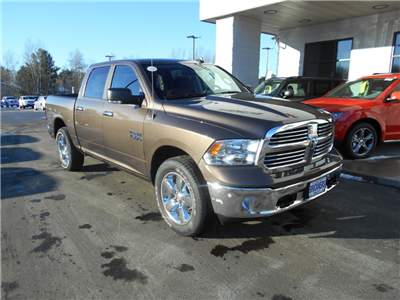 2018 Ram 1500 Crew Cab 4x4 Pickup #30148 - photo 6