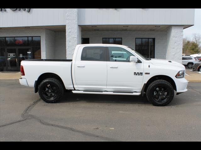 2018 Ram 1500 Crew Cab 4x4, Pickup #30284 - photo 9