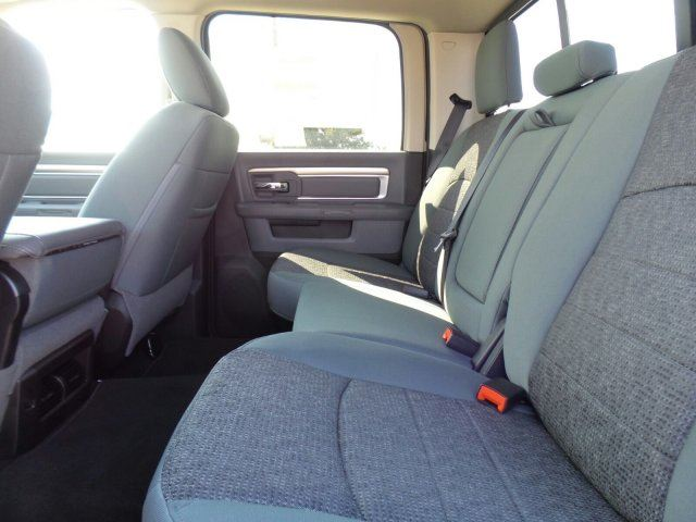 2017 Ram 2500 Crew Cab 4x4, Pickup #10138 - photo 14