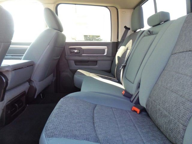 2017 Ram 2500 Crew Cab 4x4, Pickup #10138 - photo 10