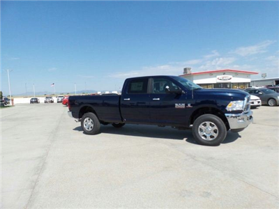 2017 Ram 2500 Crew Cab 4x4, Pickup #10138 - photo 6