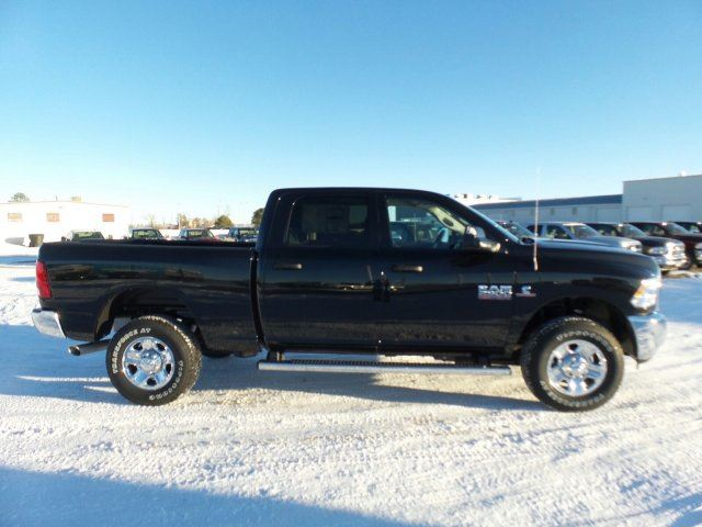 2018 Ram 2500 Crew Cab 4x4 Pickup #10277 - photo 5