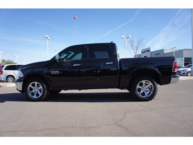 2017 Ram 1500 Crew Cab 4x4, Pickup #H3756 - photo 3