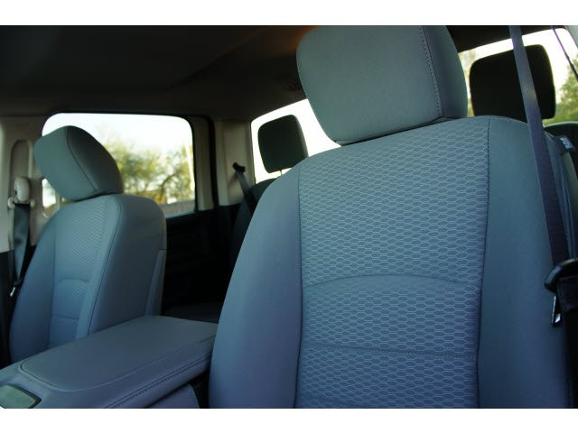 2018 Ram 1500 Crew Cab 4x2,  Pickup #J1944 - photo 17