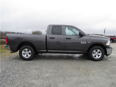2018 Ram 1500 Quad Cab 4x2,  Pickup #T18079 - photo 3