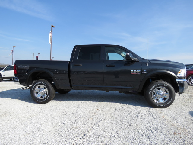 2018 Ram 2500 Crew Cab 4x4, Pickup #T18119 - photo 4