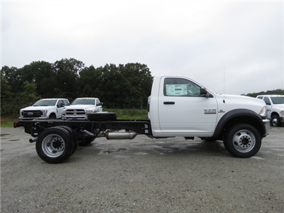 2018 Ram 4500 Regular Cab DRW 4x4,  Cab Chassis #T18204 - photo 3