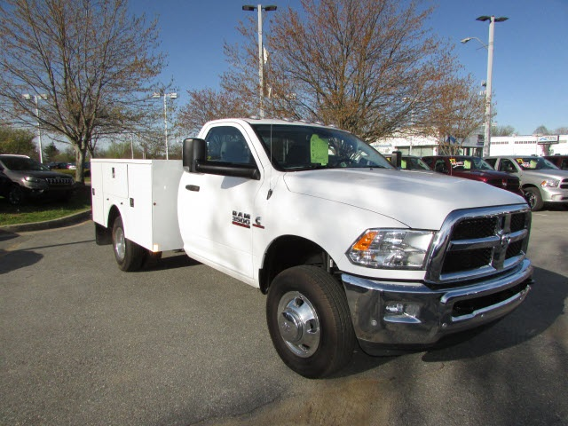 2017 Ram 3500 Regular Cab DRW 4x4,  Service Body #12638560 - photo 3