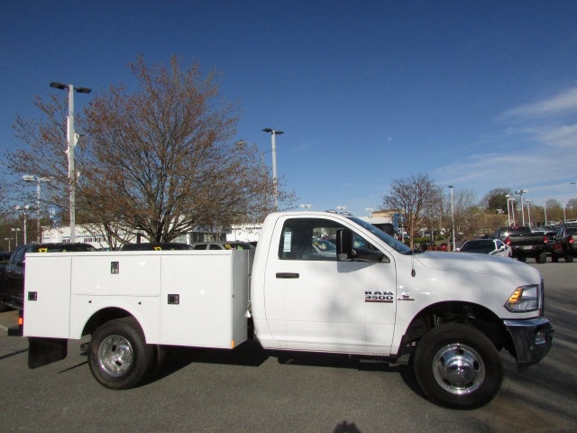2017 Ram 3500 Regular Cab DRW 4x4,  Service Body #12638560 - photo 5