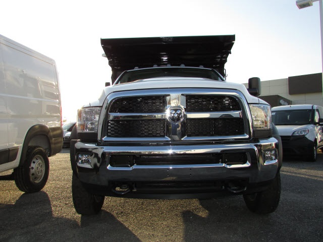 2018 Ram 5500 Regular Cab DRW 4x4, Landscape Dump #15137402 - photo 7