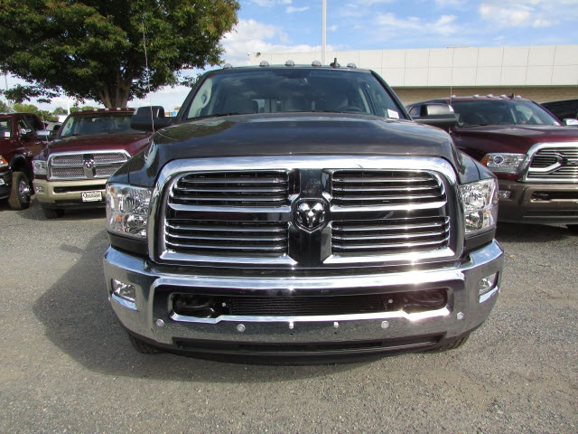 2018 Ram 3500 Crew Cab DRW 4x4, Pickup #44114146 - photo 9
