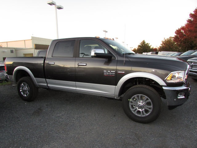 2018 Ram 2500 Crew Cab 4x4, Pickup #44128046 - photo 4