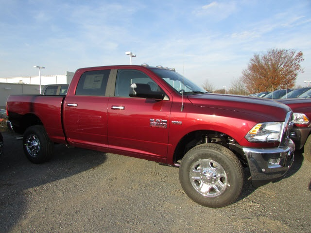 2018 Ram 2500 Crew Cab 4x4, Pickup #44128176 - photo 4