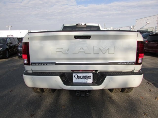 2018 Ram 3500 Crew Cab DRW 4x4, Pickup #44134048 - photo 6