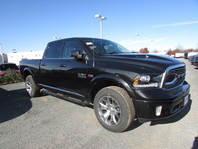 2018 Ram 1500 Crew Cab 4x4,  Pickup #45136202 - photo 3