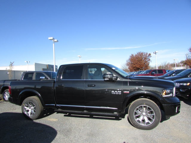 2018 Ram 1500 Crew Cab 4x4,  Pickup #45136202 - photo 4