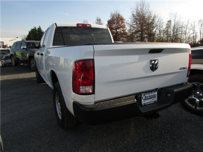 2018 Ram 1500 Quad Cab 4x4 Pickup #45176390 - photo 2