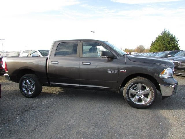 2018 Ram 1500 Crew Cab 4x4,  Pickup #45178535 - photo 4