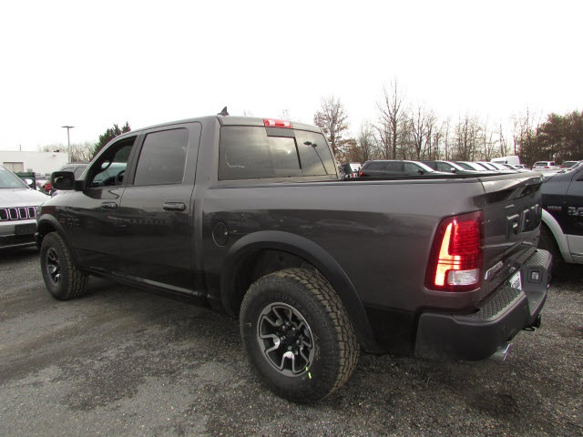 2018 Ram 1500 Crew Cab 4x4, Pickup #45187139 - photo 2