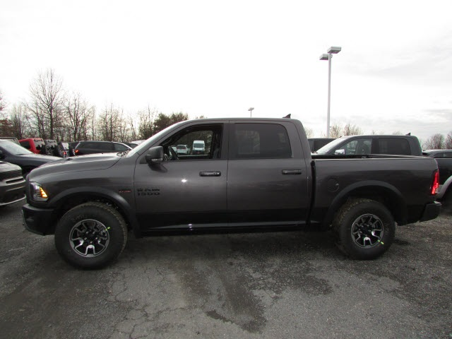 2018 Ram 1500 Crew Cab 4x4, Pickup #45187139 - photo 8