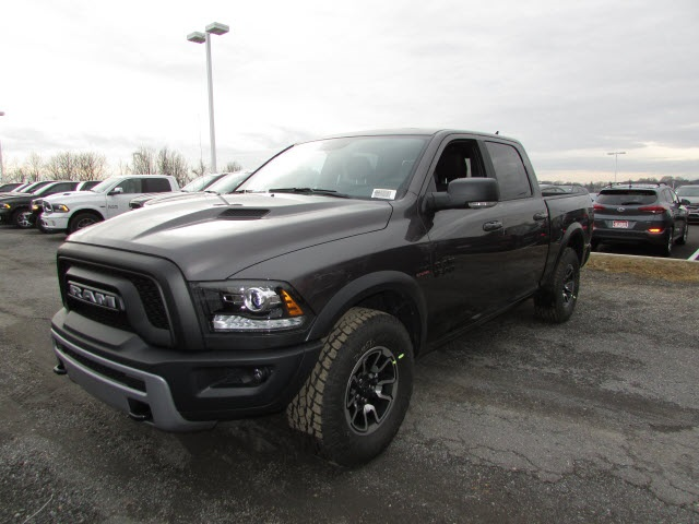 2018 Ram 1500 Crew Cab 4x4, Pickup #45187139 - photo 1