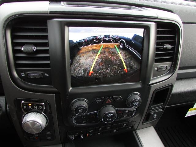2018 Ram 1500 Crew Cab 4x4, Pickup #45187139 - photo 14
