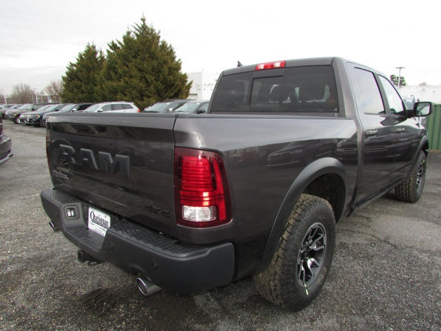 2018 Ram 1500 Crew Cab 4x4, Pickup #45187139 - photo 5