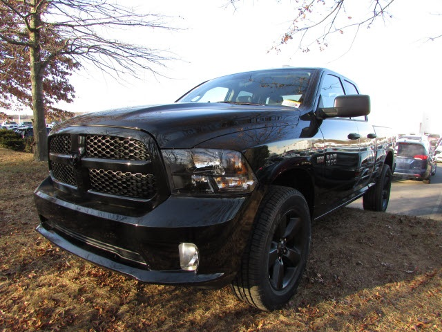 2018 Ram 1500 Quad Cab 4x4, Pickup #45207623 - photo 1