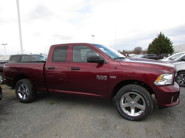 2018 Ram 1500 Quad Cab 4x4, Pickup #45218096 - photo 3