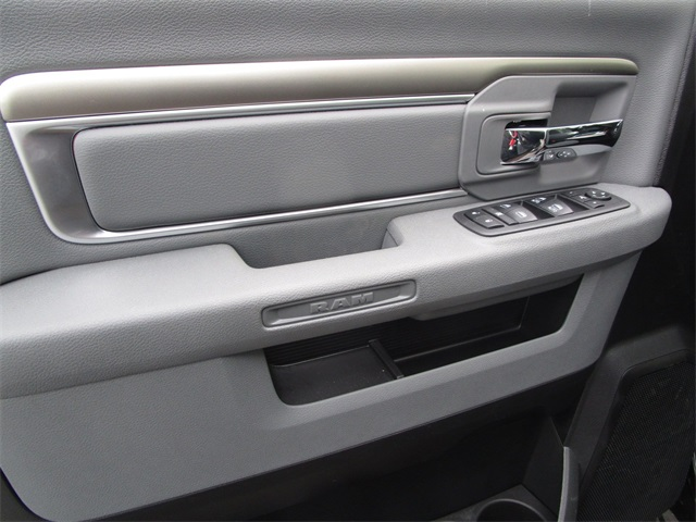 2019 Ram 1500 Crew Cab 4x4,  Pickup #45571023 - photo 15