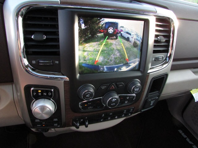 2017 Ram 1500 Crew Cab 4x4, Pickup #45702852 - photo 14