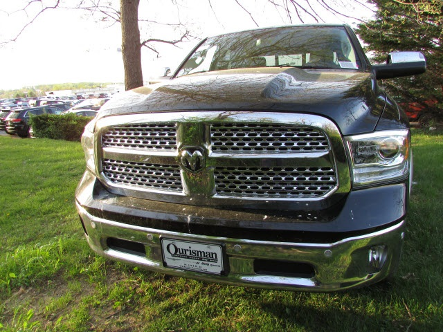 2017 Ram 1500 Crew Cab 4x4, Pickup #45702852 - photo 9