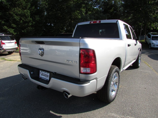 2017 Ram 1500 Crew Cab 4x4,  Pickup #45761582 - photo 5