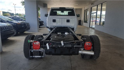 2017 Ram 4500 Regular Cab DRW Cab Chassis #17660 - photo 3