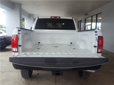 2018 Ram 2500 Crew Cab 4x4 Pickup #18061 - photo 4
