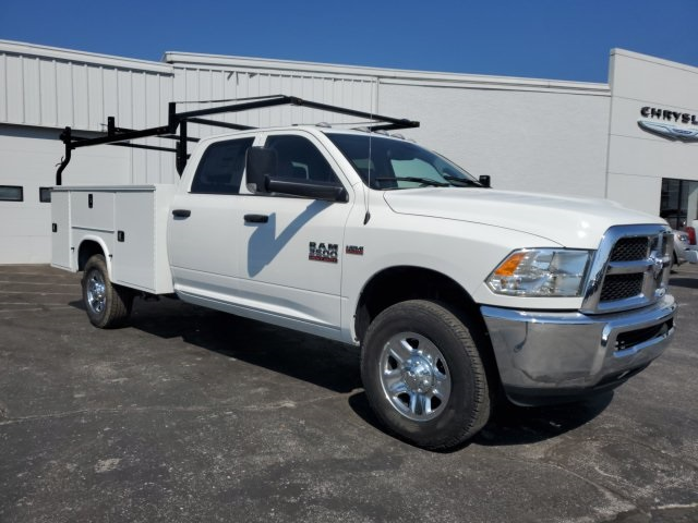 2018 Ram 3500 Crew Cab 4x4, Cab Chassis #18142 - photo 10